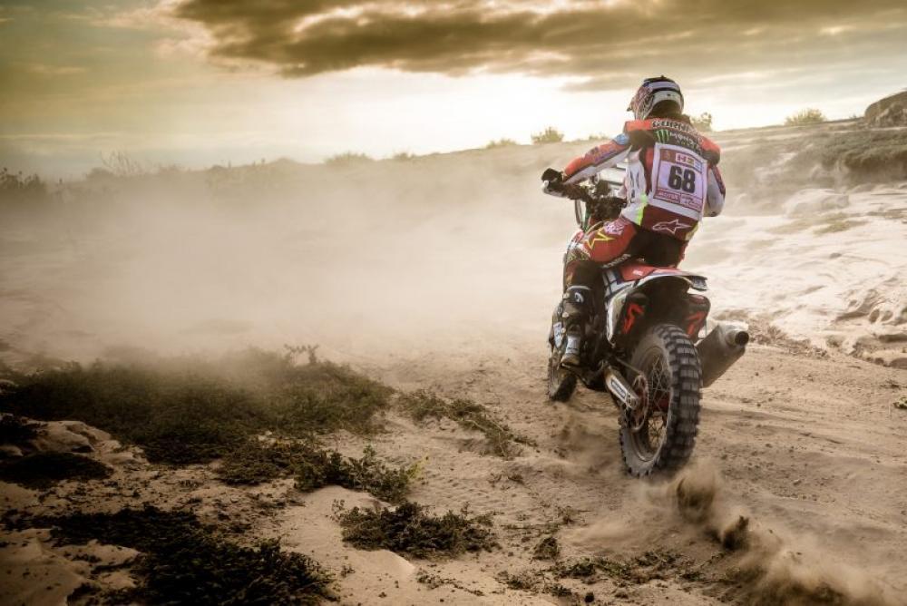 Jose Ignacio Cornejo Florimo in sella alla sua Honda nella quarta tappa della Dakar 2018