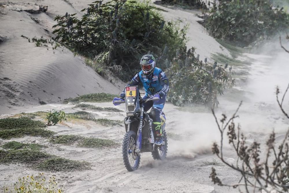 Adrien Van Beveren in sella alla sua Yamaha nella quarta tappa della Dakar 2018
