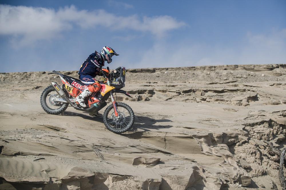 Antoine Meo in sella alla sua KTM nella quarta tappa della Dakar 2018