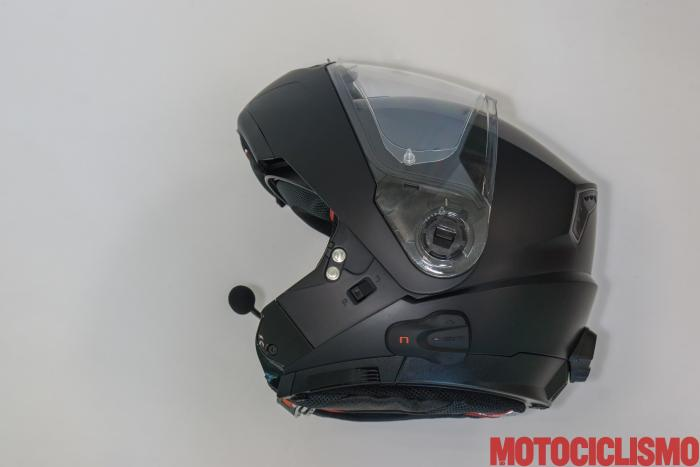 Interfono N-COM B5L + Nolan N104 Absolute: comodo l'auto spegnimento dopo un periodo di inattività, si riaccende appena il casco si muove