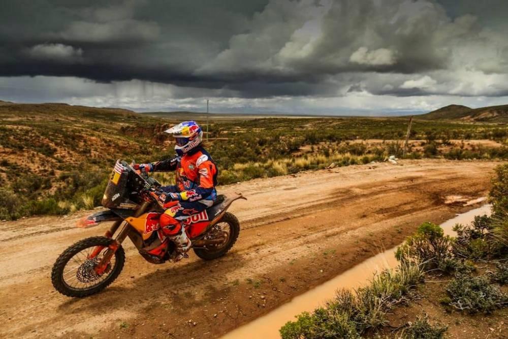Toby Price in sella alla sua KTM nella sesta tappa della Dakar 2018