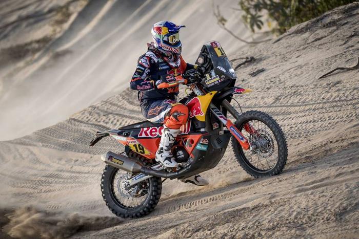 Antoine Meo in sella alla sua KTM alla Dakar 2018