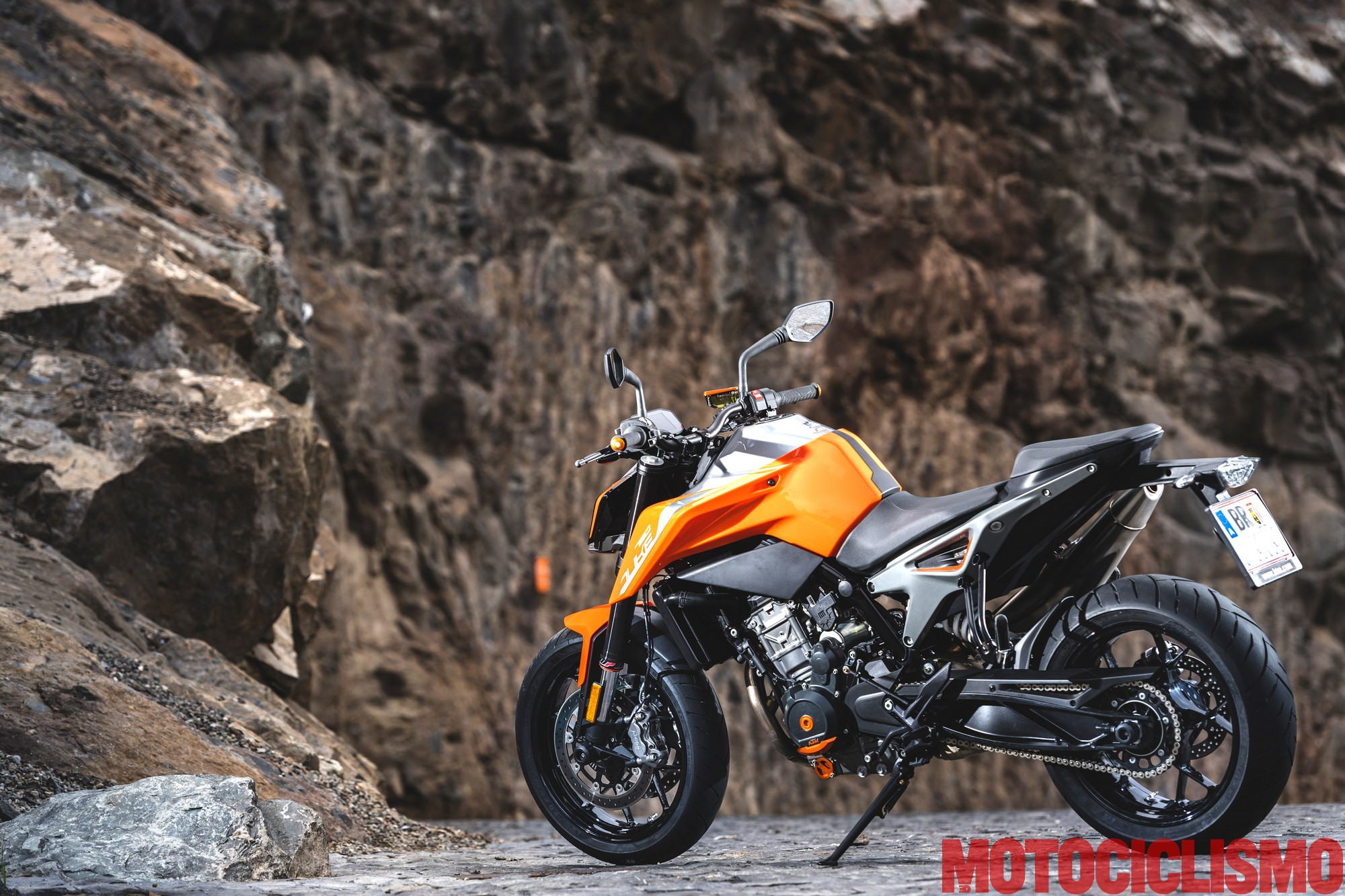 prova ktm 790 duke 2018 test come va pregi difetti e. Black Bedroom Furniture Sets. Home Design Ideas