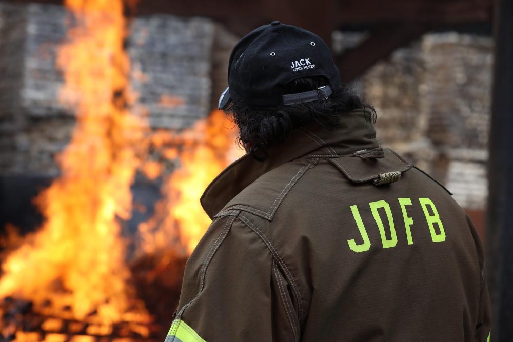 La Indian Jack Daniel's Limited Edition Scout Bobber è relaizzata in onore della Jack Daniel's Fire Brigade, l'unica compagnia di pompieri al mondo ad avere la propria sede direttamente all'interno di una distilleria.