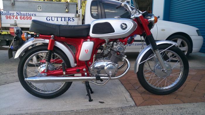 """La special """"L•Concept"""" by Bandit9 è realizzata sulla base di una Honda SuperSport del 1967"""