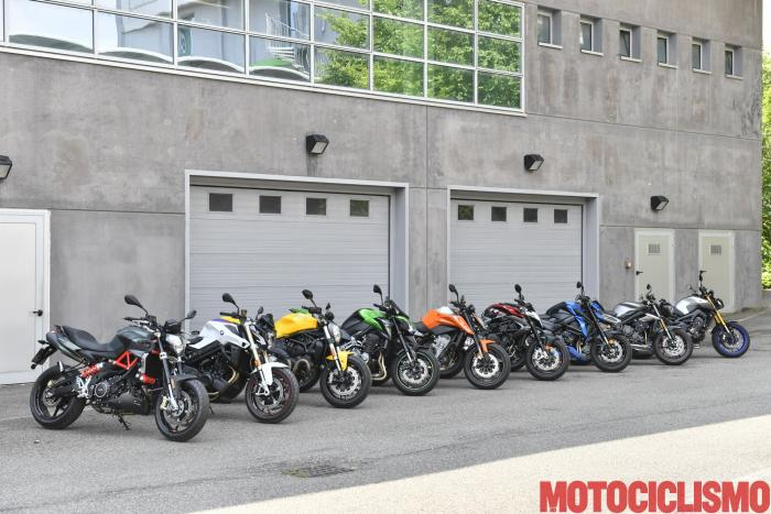 Da sx: Aprilia Shiver 900, BMW F 800 R, Ducati Monster 821, Kawasaki Z900 Performance, KTM 790 Duke, MV Agusta Brutale 800 RR, Suzuki GSX-S750 Yugen, Triumph Street Triple 765 RS e Yamaha MT-09 SP