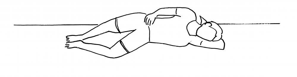 Conchiglia/clam: Sdraiati su un fianco con le gambe unite e le ginocchia piegate. Con i piedi uniti, separa le ginocchia, extraruotando l'anca. Mantieni la posizione per qualche secondo poi torna alla posizione di partenza. Fai 2x10 ripetizioni per lato.