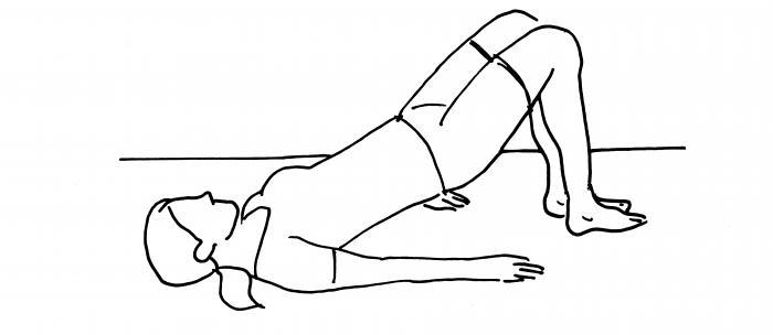Ponte supino: Sdraiati sulla schiena con le ginocchia piegate e i piedi appoggiati a terra. Solleva il bacino in modo che si formi una linea retta tra spalle, bacino e ginocchia. Eseguito come esercizi, mantieni la posizione per 5 secondi circa e torna alla posizione di partenza. Attento a non superare il ginocchio della gamba in appoggio. Fai 2x10 ripetizioni.