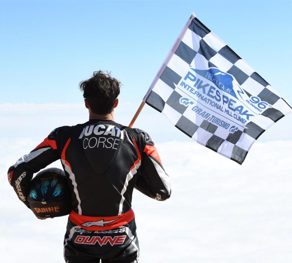 Carlin Dunne, in sella alla Ducati Multistrada 1260, ha trionfato al Pikes Peak 2018