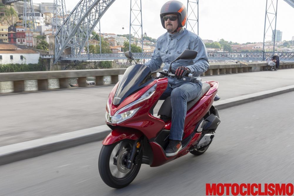 Test Honda Pcx 125 2018 Come Va Pregi Difetti E Prezzo La Prova