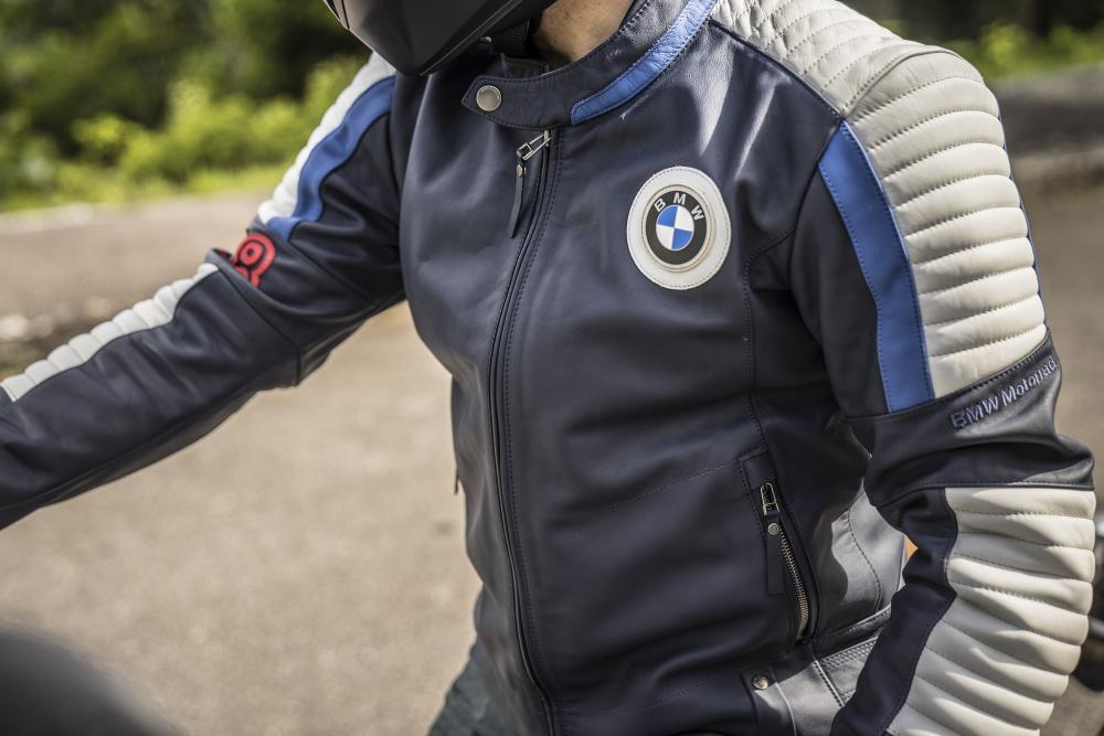 rivenditore di vendita e3c2e 8006f BMW: casco jet, giacca e guanti della collezione