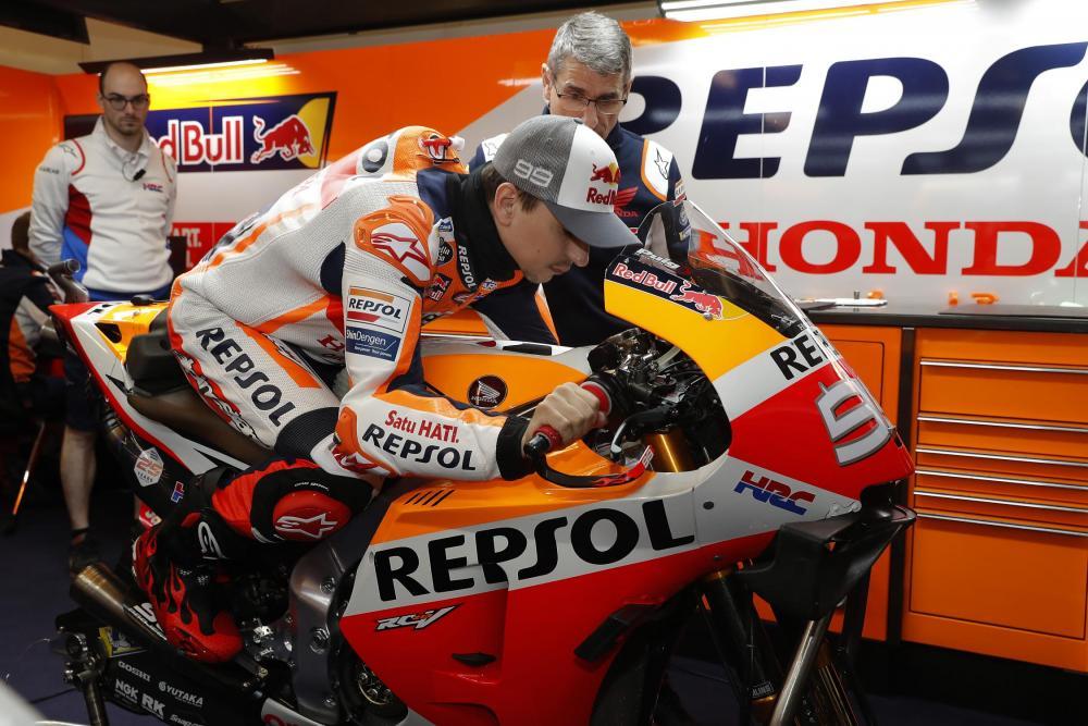 MotoGp: Marquez in pole, Rossi è quinto
