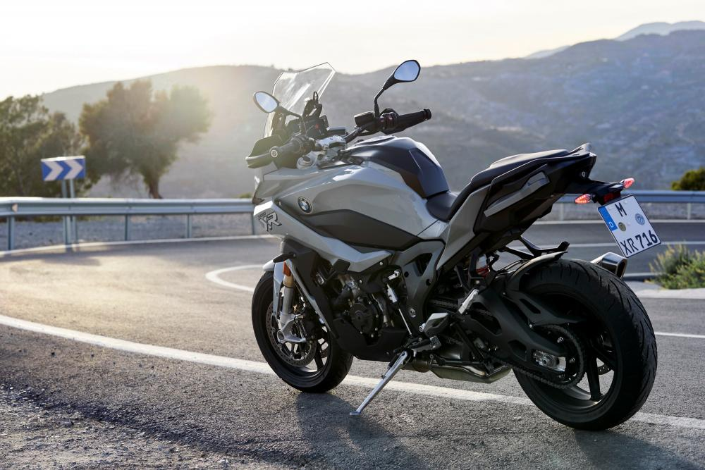 BMW S 1000 XR 2020: come va, pregi e difetti - Motociclismo