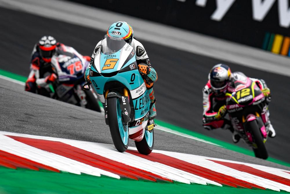 Paura in Moto2, terribile incidente sul circuito di Spielberg: gara sospesa
