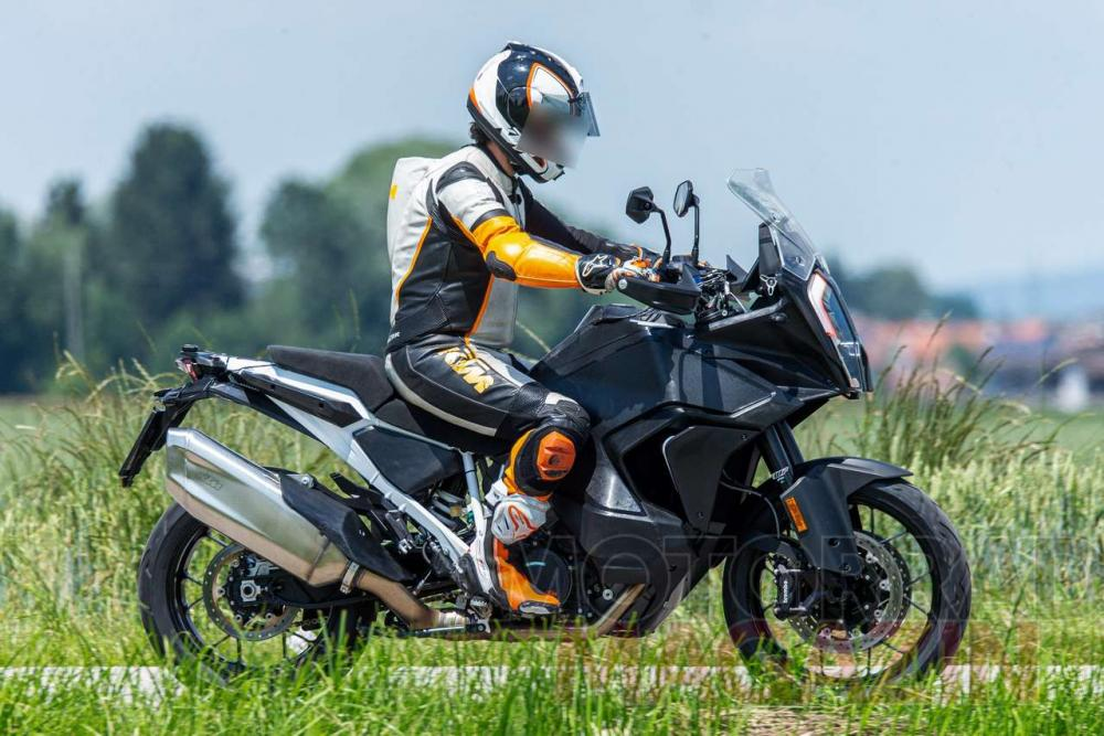 2021 KTM 1290 Super Adventure R Detailed In Official Video