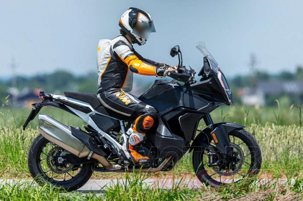 KTM 1290 Super Adventure 2021, le foto spia delle versioni