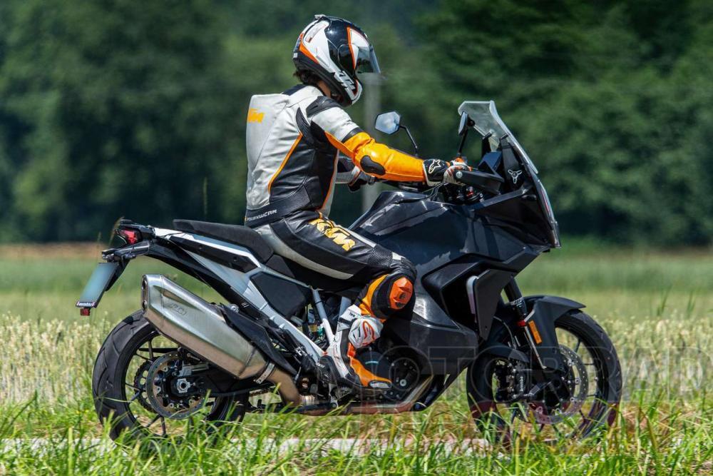 KTM Unveils Reworked 1290 Super Adventure R for 2021 - ADV