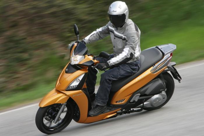 kymco people gti 300 motociclismo. Black Bedroom Furniture Sets. Home Design Ideas