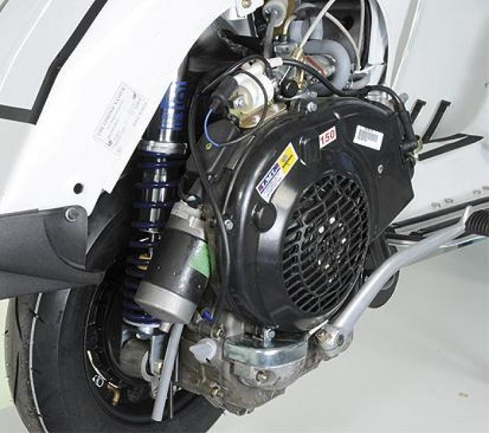 LML lancia una versione della Star elaborata da Polini per l'utilizzo in pista. Ha il motore con cubatura maggiorata di 165 cc e le sospensioni pluriregolabili.