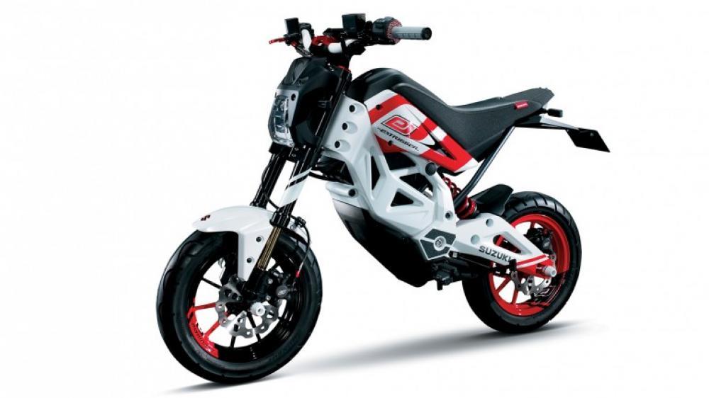 A Tokyo, Suzuki presenterà anche la sua prima moto elettrica, la Extrigger, una mini-bike che si preannuncia divertente e adatta ai giovani e all'uso cittadino.