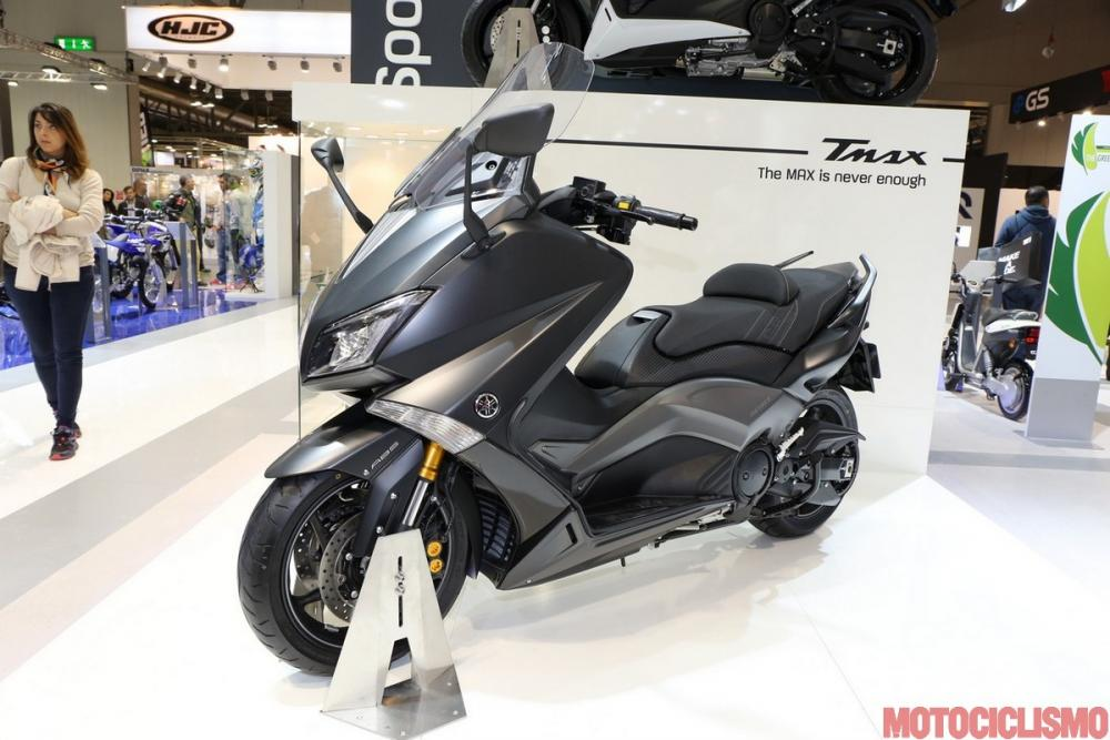 yamaha tmax 2015 si rinnova nella ciclistica e arriva iron max motociclismo. Black Bedroom Furniture Sets. Home Design Ideas