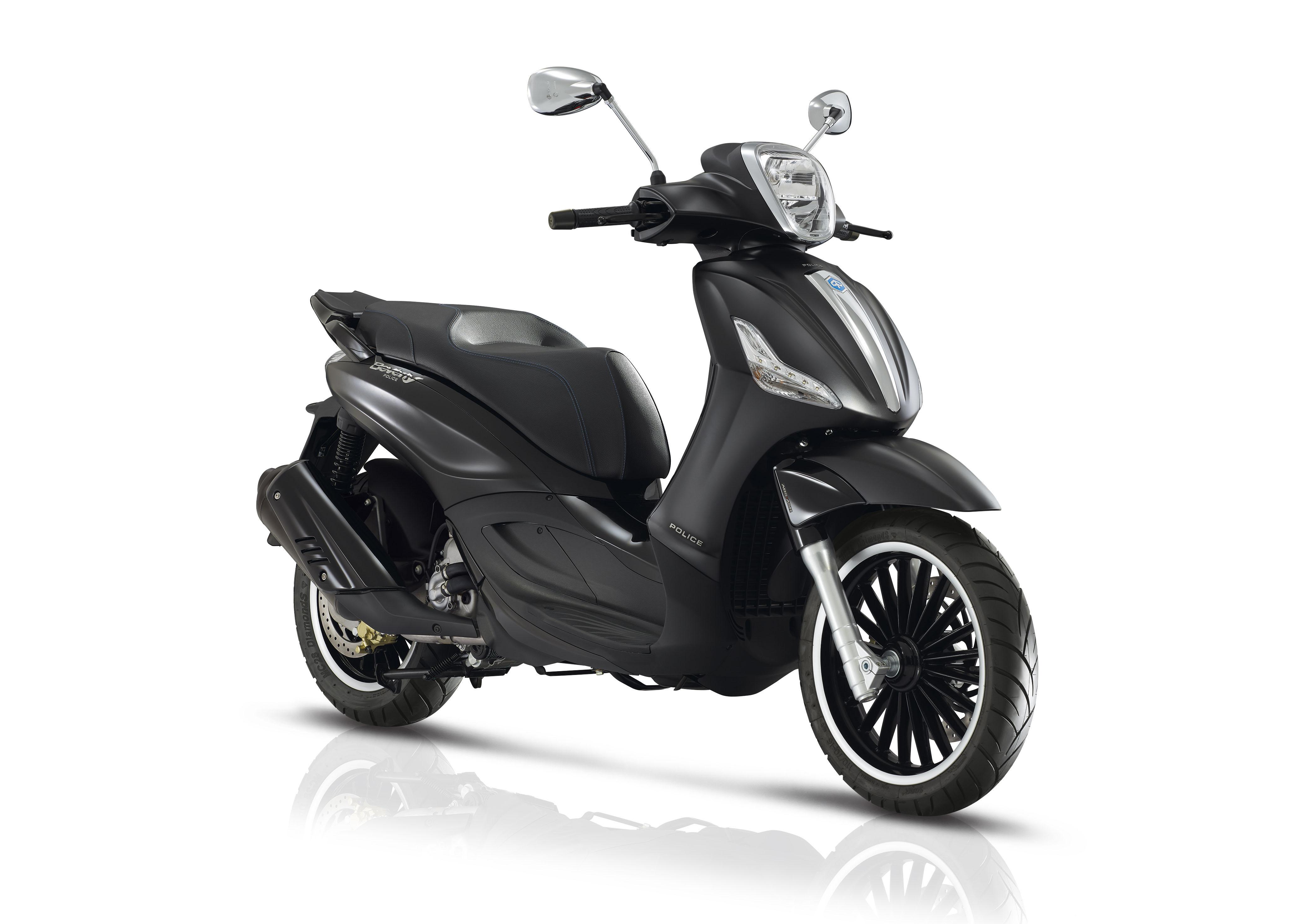 piaggio nuovi scooter beverly 300 300 s 300 by police e 350 sporttouring con motori euro 4. Black Bedroom Furniture Sets. Home Design Ideas