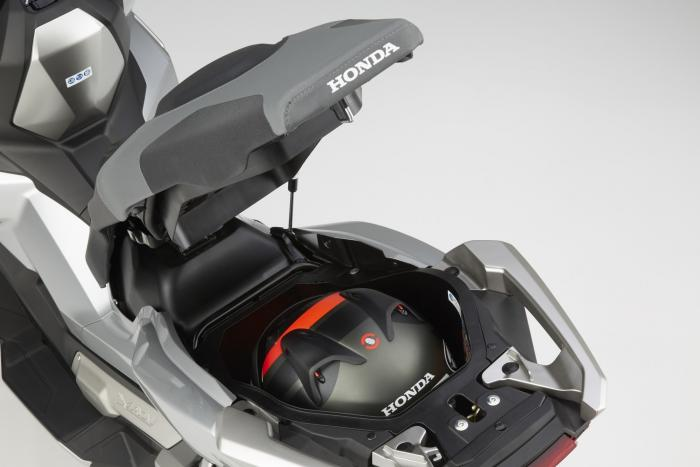 Integra X-ADV un Scoot- Trail Honda très attachant - Page 3 263851