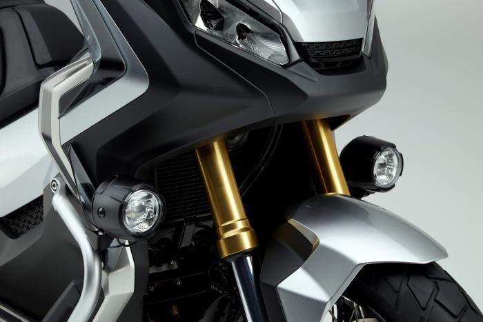 Integra X-ADV un Scoot- Trail Honda très attachant - Page 3 264545
