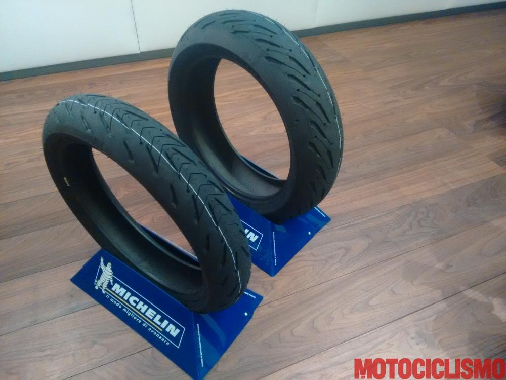 michelin road 5 nuova gomma per moto sport touring motociclismo. Black Bedroom Furniture Sets. Home Design Ideas