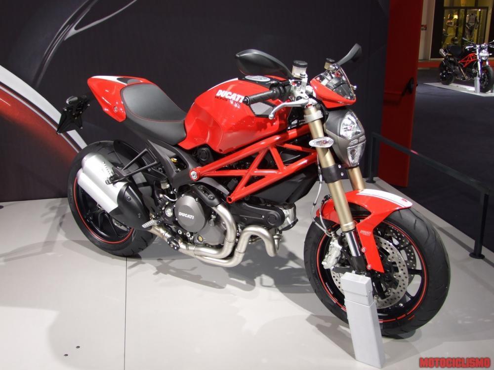 ducati monster 1100 evo motociclismo. Black Bedroom Furniture Sets. Home Design Ideas