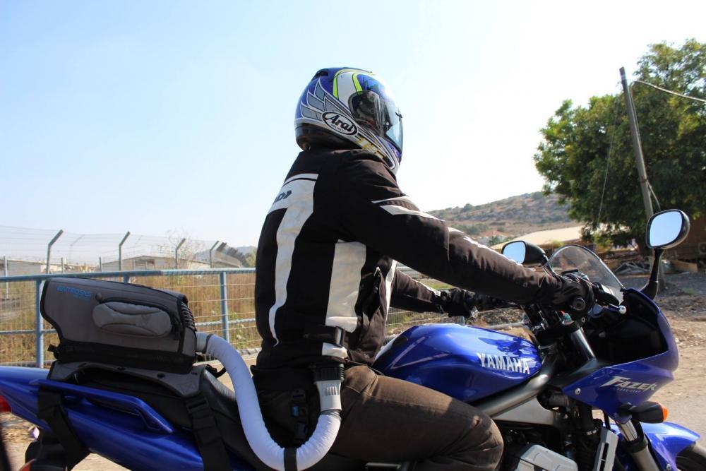 In moto col climatizzatore motociclismo - Condizionatore unita esterna piccola ...