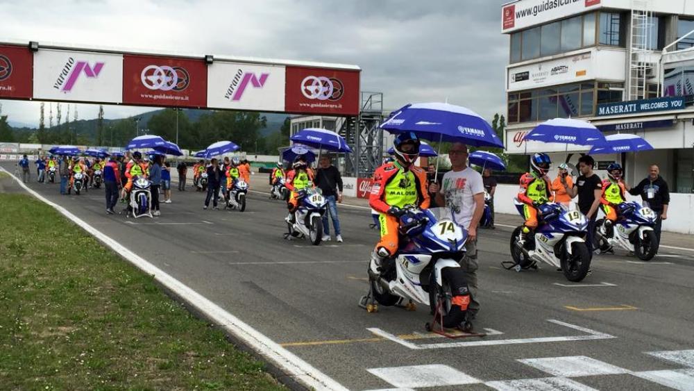 Circuito Varano De Melegari : Motociclismo